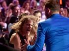 Taylor Swift se desespera ao ganhar prêmio nos Estados Unidos