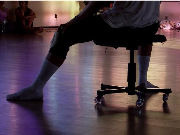 """Alunos da Cia de Dança em ensaio de """"Corpos Móveis"""", direção de Patrícia Pereira (Foto: Yuri Corrêa)"""