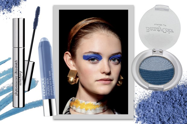 Modelo do desfile da Missoni, Sombra Chubby Stick cor Big Blue, R$ 95, Clinique, Duo de sombra cor Lazuli, R$ 16, BeautyColor e Máscara cor Deep Blue, R$ 305, Sisley (Foto: Condé Nast Digital Archive, Imaxtree e Divulgação)