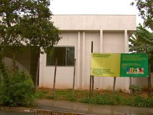 Entrega de obra de UPA tem atraso de 21 meses e gera reclamação em São João da Boa Vista (Foto: Oscar Herculano Jr/EPTV)