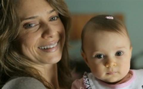 'Virei uma nave maternal 'doirada'', diz Letícia Spiller