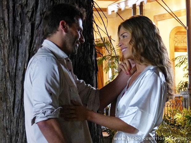 Juntos de novo! Cassiano entende motivos de Ester (Foto: Flor do Caribe / TV Globo)