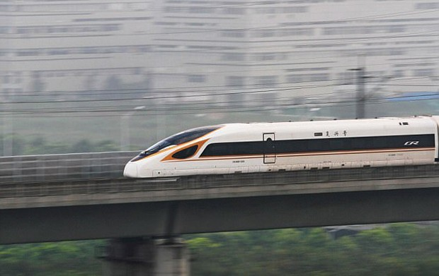 China relança o trem bala mais rápido do mundo, que chega a 400 km/h (Foto: © AFP/Getty Images)