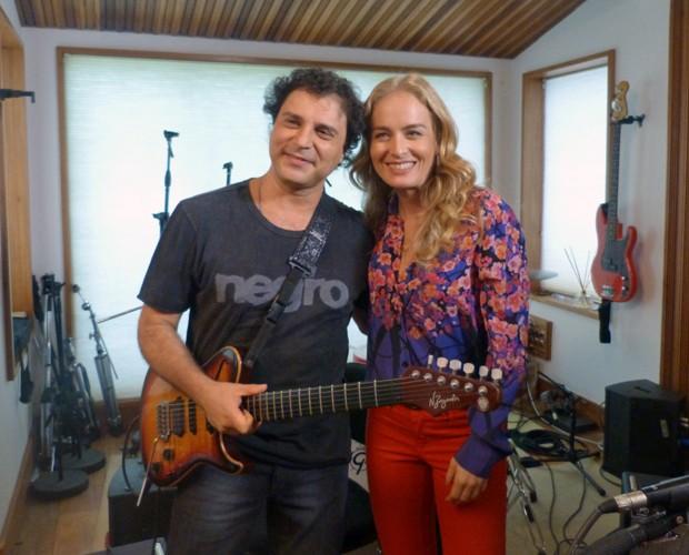 Frejat e Angélica posam para foto (Foto: Estrelas/TV Globo)
