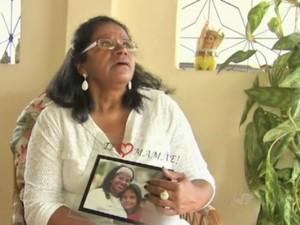 Filho de Dulcineia morreu ao defendê-la oito meses antes (Foto: TV Verdes Mares/Reprodução)
