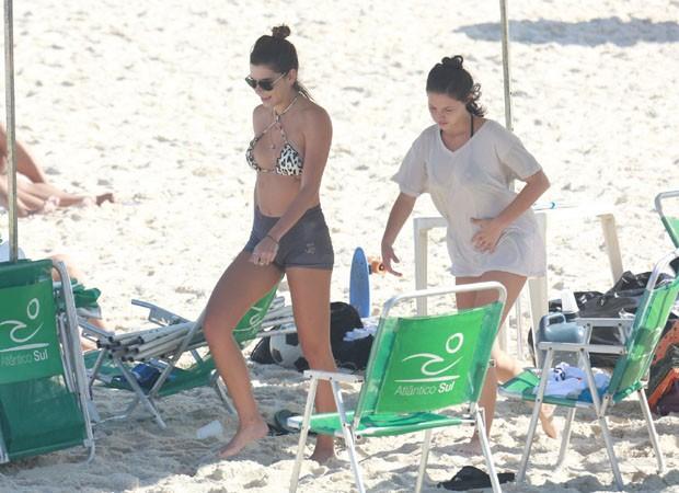 Mariana Goldfarb e a cunhada, Laura Rodi (Foto:  Agnews)