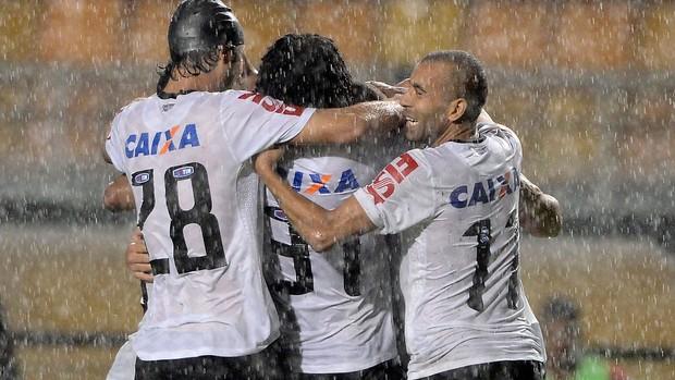 Corinthians comemora gol sobre o Ituano (Foto: Mauro Horita/Agência Estado)