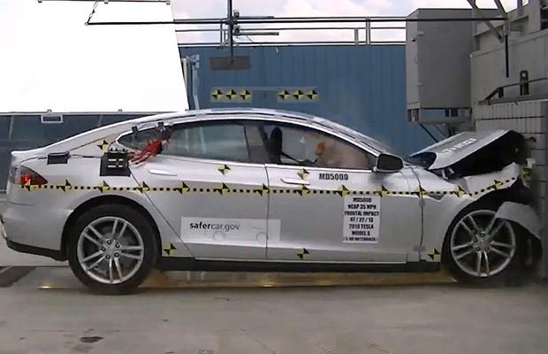Tesla Model S Crash Test (Foto: Reprodução)