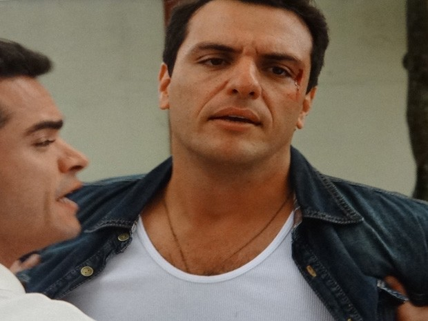 Ciro aparta briga entre Théo e Élcio (Foto: Salve Jorge / TV Globo)