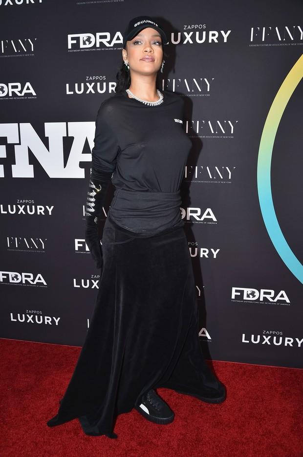 Rihanna em premiação em Nova York, nos Estados Unidos (Foto: Theo Wargo/ Getty Images/ AFP)