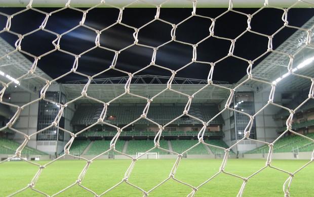 Jogo no novo estádio Independência    (Foto: Leonardo Simonini/Globoesporte.com)