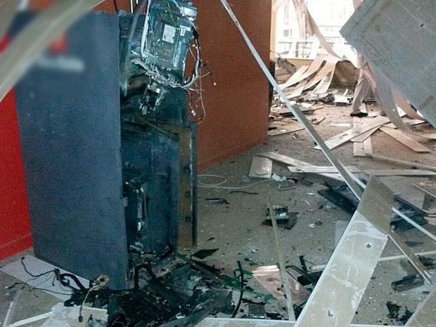 Refeitório da empresa ficou destruído após explosão, no sul da Bahia. (Foto: Robenilton de Souza/Giro em Ipiaú)