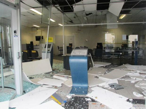 Explosão em Candeal 1 (Foto: André Luiz / Site AL Notícias)