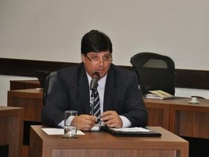 Diretor do Hospital Universitário, Cláudio Saab.  (Foto: Nadyenka Castro)