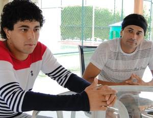 Luan e Samir Atlético-MG (Foto: Léo Simonini)