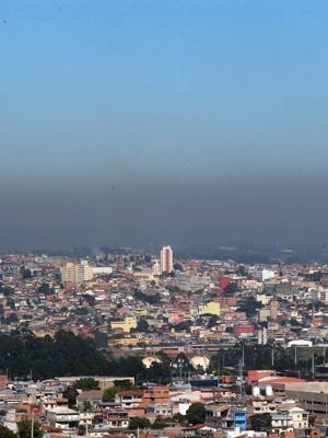 Camada de poluição é vista no horizonte de vista da Zona Oeste de São Paulo