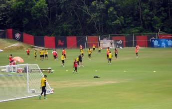 Marinho volta a trabalhar com bola e é principal novidade em treino do Vitória
