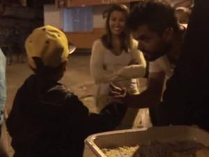 Grupo se reúne todas as quartas para preparar e distribuir refeições a pessoas carentes em Florianópolis (Foto: Reprodução/Projeto Resgate)