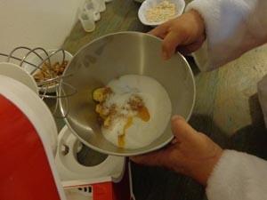 Modo de preparo do cookie do Papai Noel (Foto: Tatiana Lopes/G1)