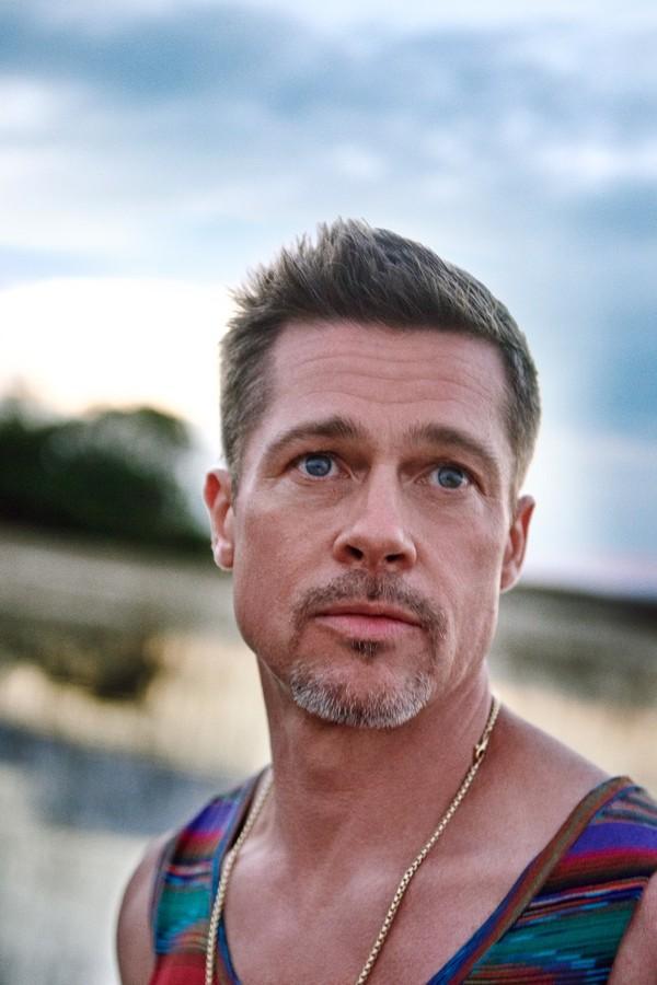 Brad Pitt em ensaio para a GQ norte-americana (Foto: Reprodução)