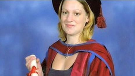 Caren Paterson teve ambições 'tolhidas' por demora na prestação de atendimento (Foto: BBC)