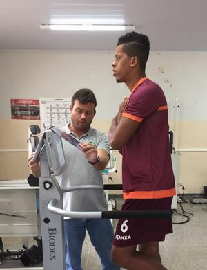 Zagueiro Josué é anunciado pelo Boa Esporte (Foto: Divulgação Boa Esporte)