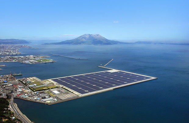 Painéis solares flutuantes abastecerão o Japão em 2018 (Foto: Divulgação)