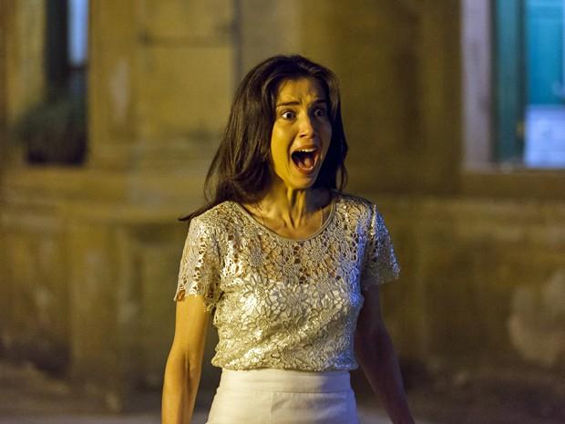 Cora solta um grito de pavor ao ver Zé (Foto: Artur Meninea/TV Globo)