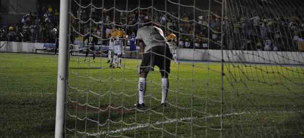 Bruno goleiro Guarani 1 x 2 Criciúma (Foto: Cristina Estefano/SERC Guarani)