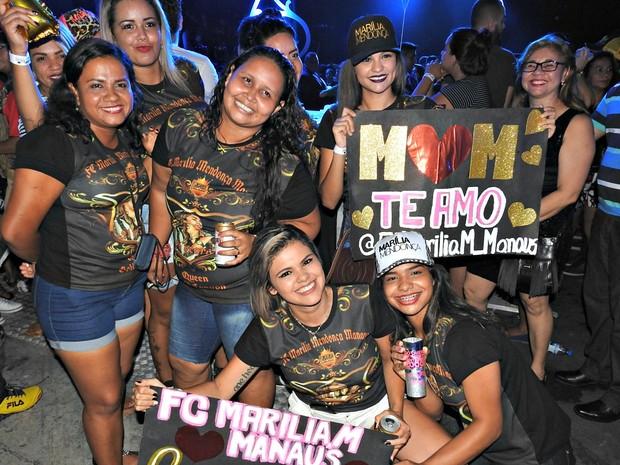 Fã Clube Marília Mendonça em Manaus acompanhou show próximo ao palco (Foto: Adneison Severiano/G1 AM)