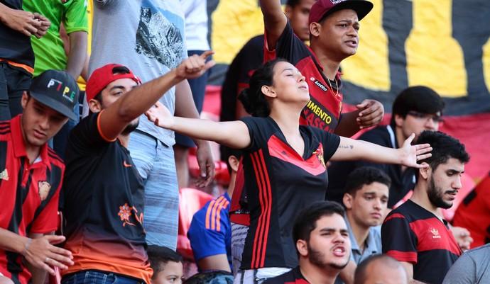 Sport torcida treino (Foto: Marlon Costa / Pernambuco Press)