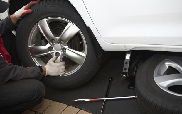 pneu furado (Divulgação Dunlop)