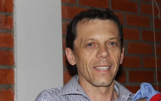Fernando Tonet - Técnico Piauí (Foto: Josiel Martins/GLOBOESPORTE.COM)