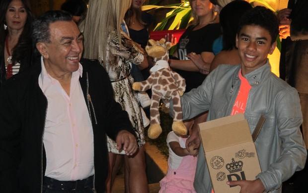 Mauricio de Sousa e filho, festa Davi Lucca (Foto: Bruno Gutierrez / Globoesporte.com)