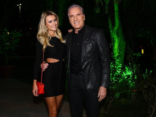 Roberto Justus e a namorada, Ana Paula Siebert, em festa em São Paulo (Foto: Manuela Scarpa e Marcos Ribas/ Foto Rio News)