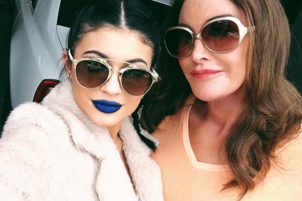 Kylie e Caitlyn Jenner em foto publicada no Instagram (Foto: Reprodução/Instagram)