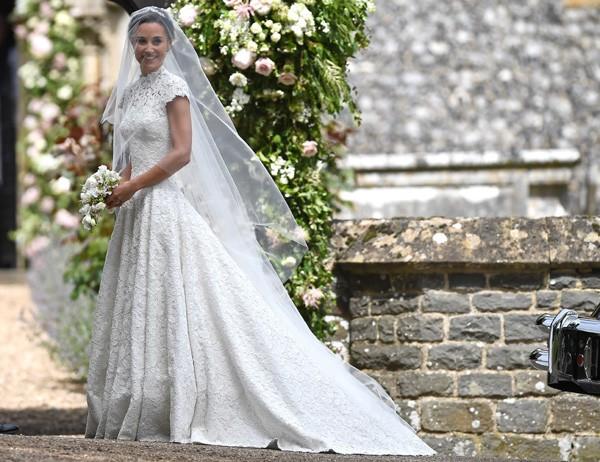 Pippa Middleton no seu casamento com vestido Giles Deacon (Foto: Getty Images)