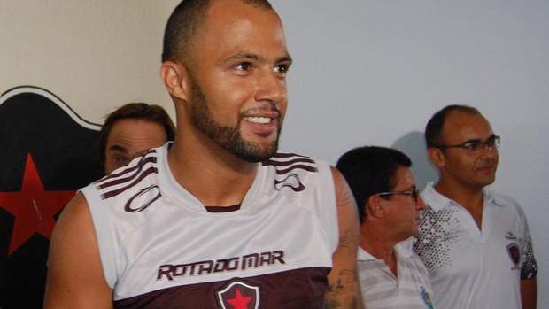 Genivaldo, goleiro do Botafogo-PB (Foto: Lucas Barros / Globoesporte.com/pb)