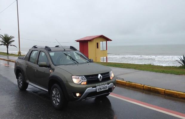 Renault Duster Oroch no litoral de Santa Catarina (Foto: Julio Cabral/Autoesporte)