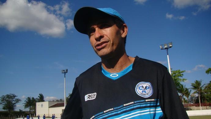 Elenílson Santos técnico Porto-PE (Foto: André Vinícius / GloboEsporte.com)
