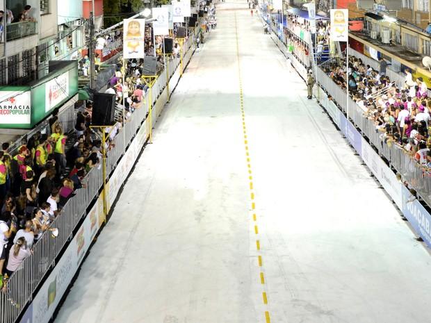 Estrutura da Avenida do Samba é modular, adaptada para o desfile das escolas. (Foto: Liesjho/Divulgação)