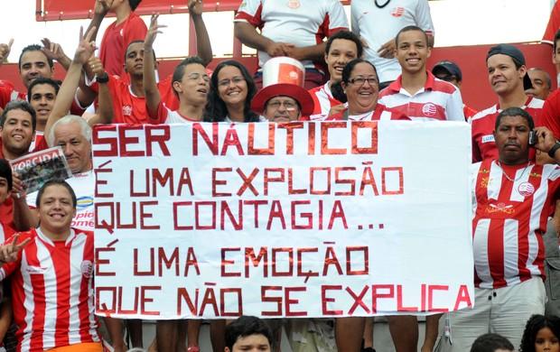 Torcida do Náutico (Foto: Aldo Carneiro/Pernambuco Press)
