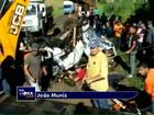 Motorista tomba furgão em rodovia do Paraná e é resgatado; assista ao vídeo