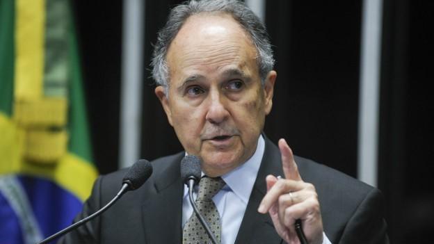 Para Buarque, para solucionar problema da violência no curto prazo 'só colocando valium na merenda' (Foto: Marcos Oliveira/Agência Senado)