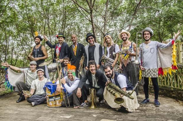 O espetáculo é apresentado em diferentes lugares do Rio de Janeiro (Foto: Cris Lustosa/Divulgação)