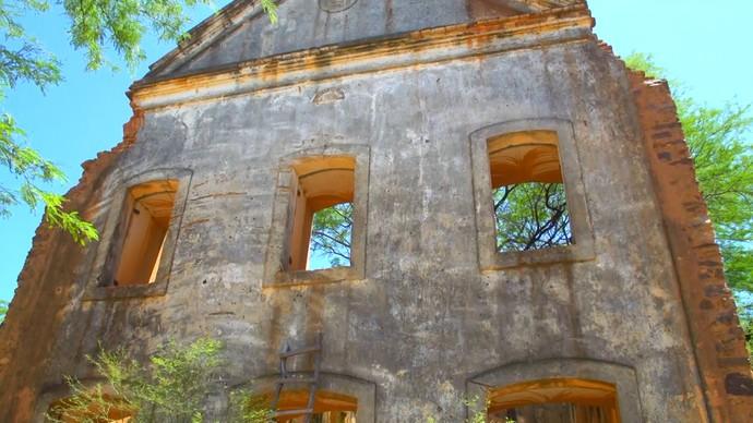 Ruínas da comunidade de Pilão Arcado, à margem do Velho Chico (Foto: Divulgação)