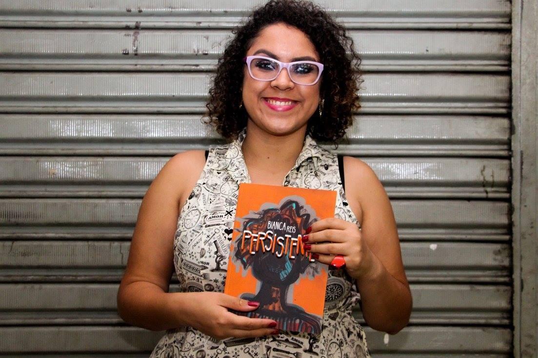 Bianca Reis, autora de quadrinhos e dos livros Anna Bolena e Persistente (Foto: Reprodução/ Facebook )