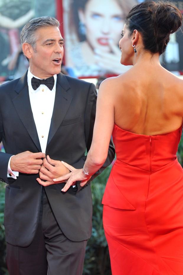 George Clooney e Sandra Bullock no Festival de Veneza (Foto: AFP)