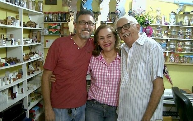 Família Guerra contrói miniaturas (Foto: Amazônia em Revista)