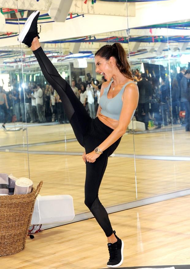 Alessandra Ambrosio (Foto: BackGrid)
